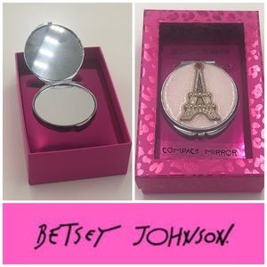 Betsey Johnson - Eiffel Tower Compact Mirror