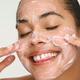 Huda Beauty - Yo Glow Enzyme Scrub