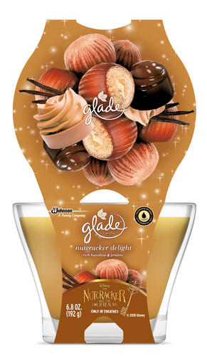 www.menards.com Glade® 3-Wick Nutcracker Delight Jar Candle - 6.8 oz.