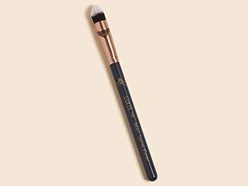 Luxie Beauty - LUXIE BEAUTY Wonder Woman Detail Tapered Blender Brush 140