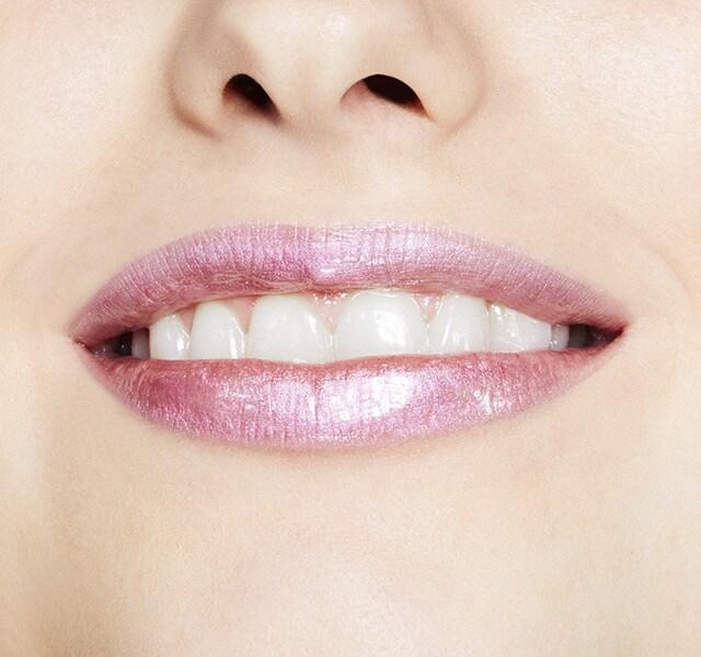 maccosmetics.com - Grand Illusion Glossy Liquid Lipcolour