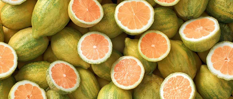 St. Ives - Radiant Skin Pink Lemon & Mandarin Orange Face Scrub